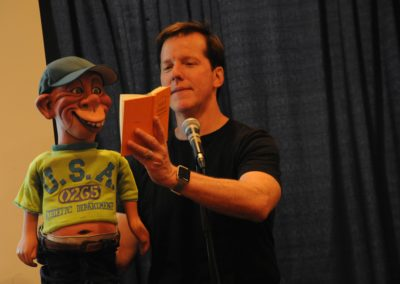 Jeff Dunham and Bubba J teaching how to use a joke book to get started writing jokes